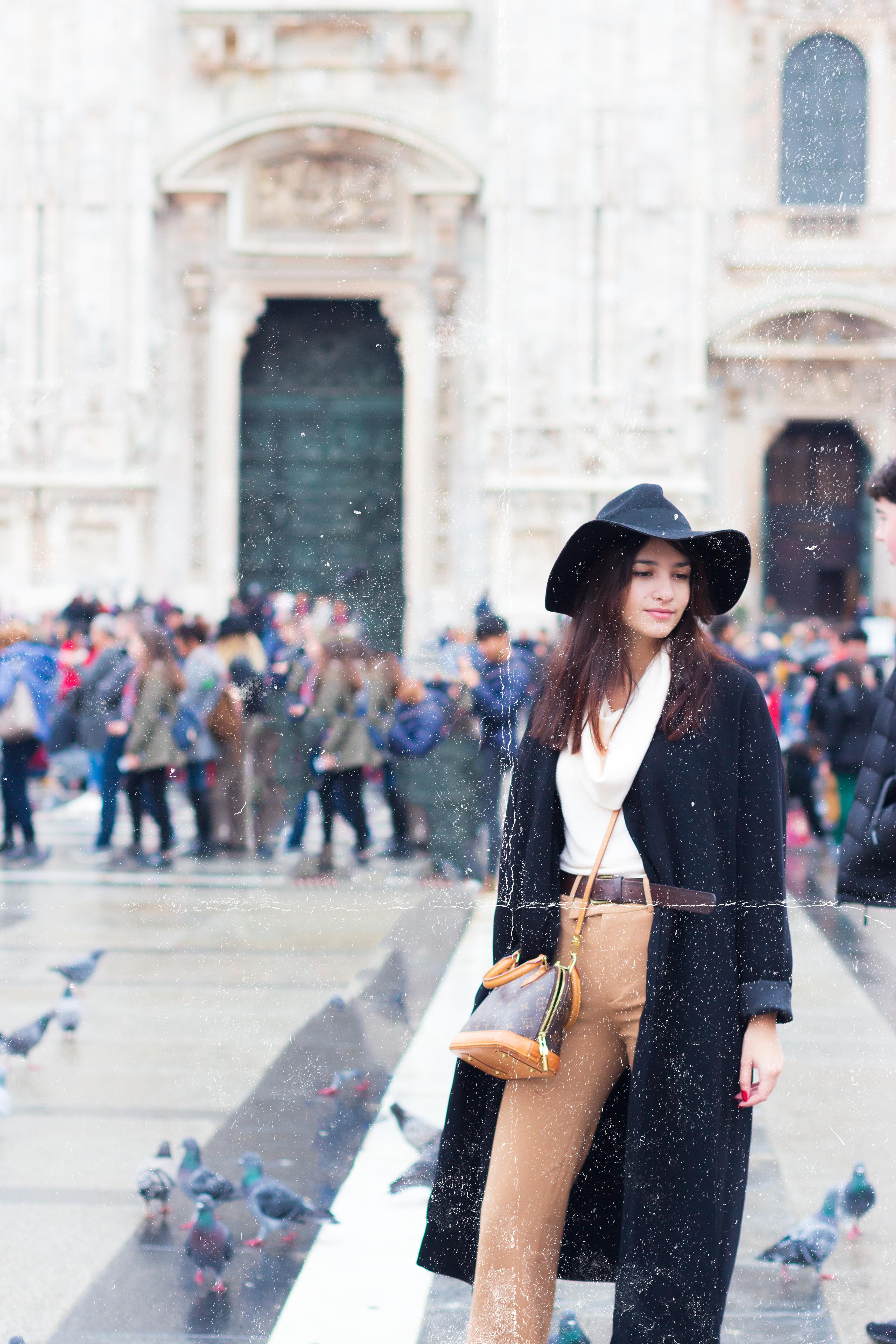 Devant le Duomo